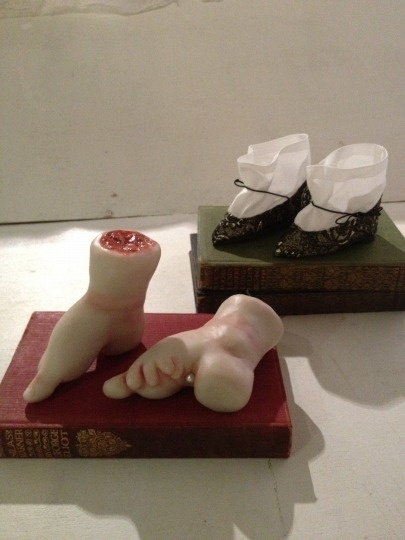chinese footbinding The practice of foot binding continued into the 20th century until anti-foot binding reforms were called by chinese and western missionaries finally in 1911, with the revolution of sun yat-sen , foot binding was officially outlawed, but the practice continued on in many areas.