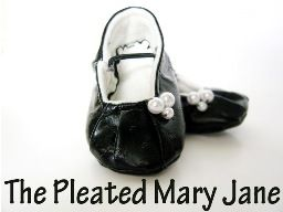 Mary Jane Pleated Slippers | FaveCrafts.com