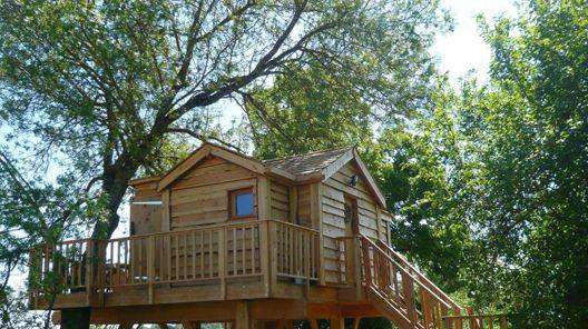 Cabane &; spa romantic vacation tree house rental in montauban, france