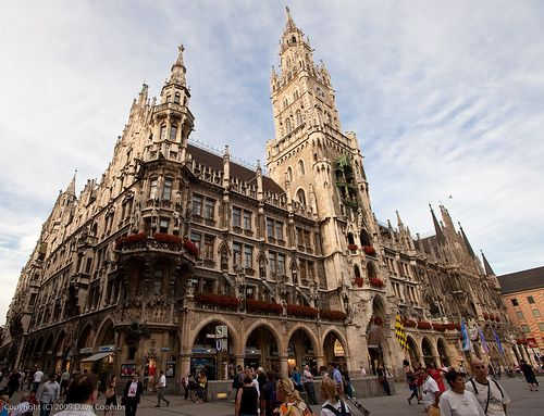 Glockenspiel Munich, Germany by  Dave Coombs