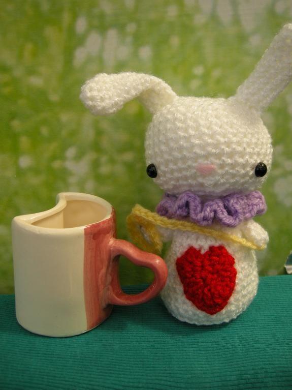 Crochet Doll Scarf Pattern Free : Amigurumi White rabbit Pattern crochet Pinterest