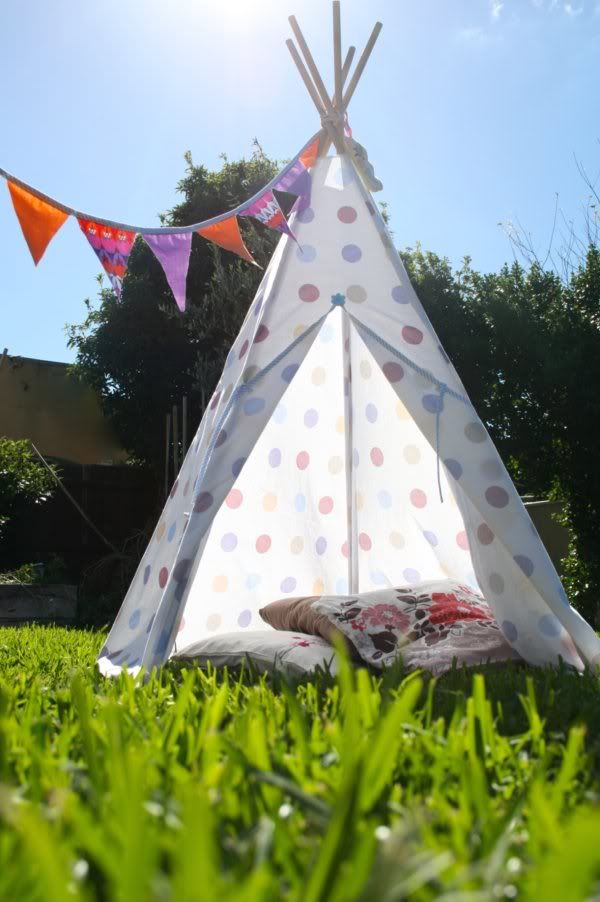 DIY: teepee - Going to try in outdoor furniture fabric & waterproof!