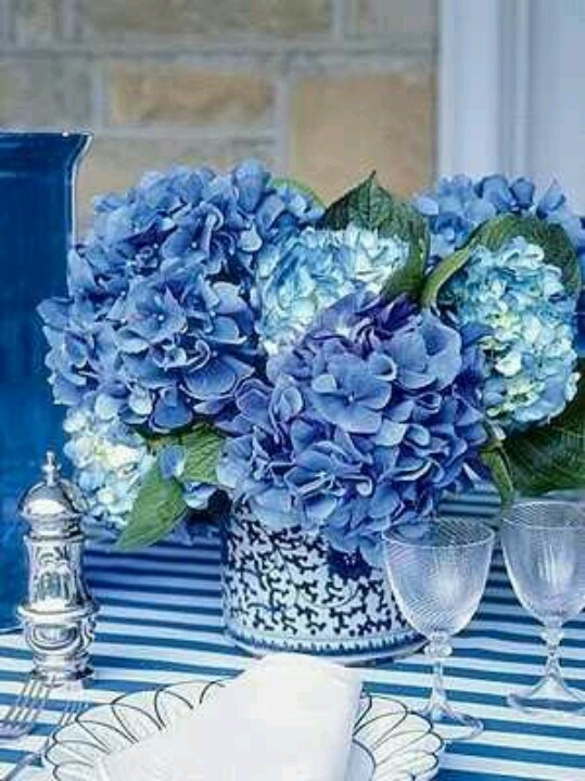 Hydrangea centerpiece beautiful blues pinterest - Blue and white centerpieces ...