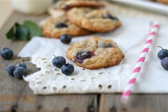 Blueberry White Chocolate Chunk Oatmeal Cookies | Recipe