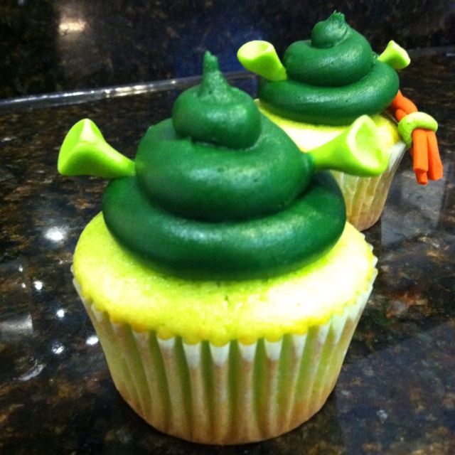 Shrek cupcakes #cupcakesbyali | The Bakery | Pinterest