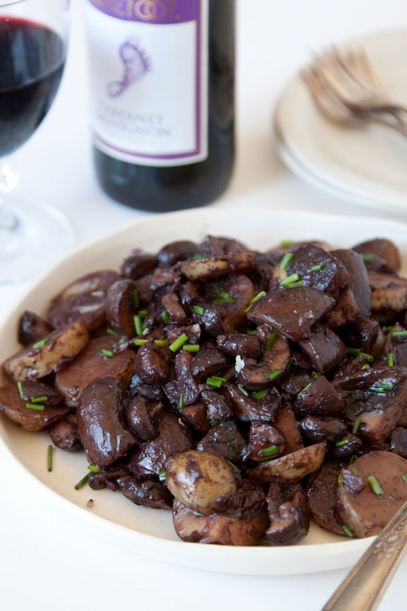 Red Wine Glazed Mushrooms and Potatoes | food | Pinterest