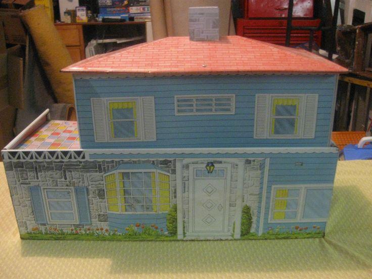 Vintage Metal Dollhouses 55