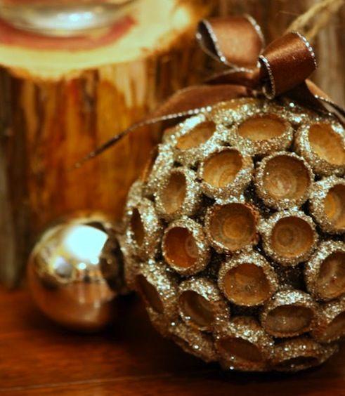 Diy christmas ornaments bob vila for Acorn decoration ideas