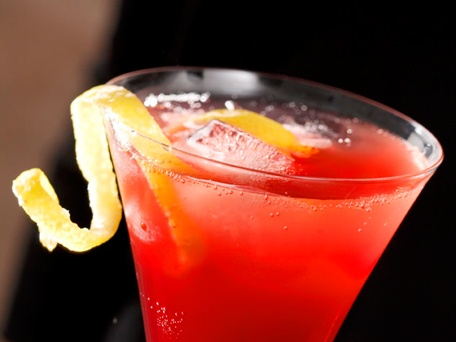 pomegranate champagne punch - maybe I can substitute red apples to ...