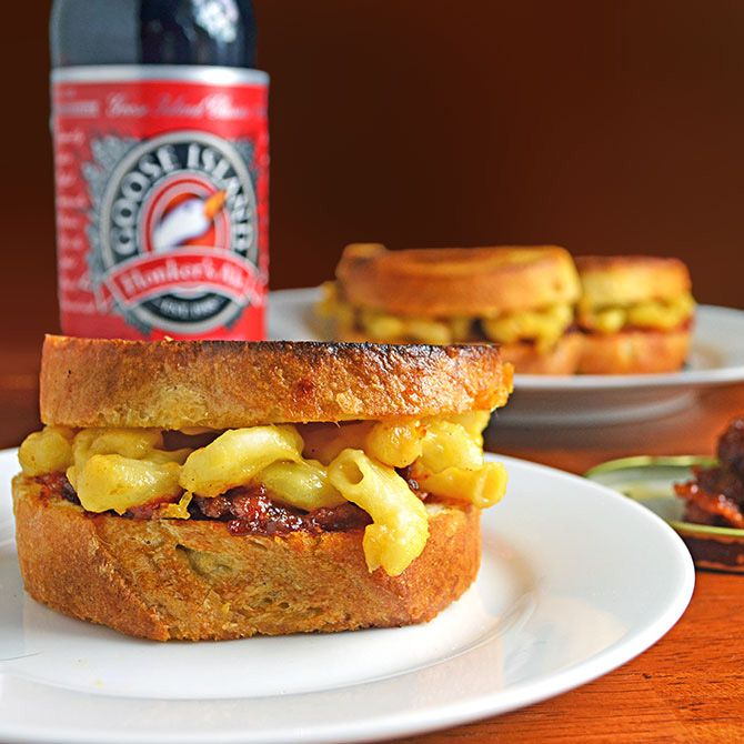 Grilled Mac n' Beer Cheese Sliders with Bacon, Beer, & Tomato Jam | R...