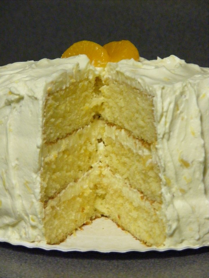 Mandarin Orange Cake ----- impressive someone with this pretty ...
