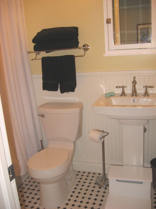 Classic Vintage Bathroom For The Home Pinterest