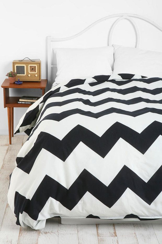 urban outfitters zigzag duvet cover beds things. Black Bedroom Furniture Sets. Home Design Ideas