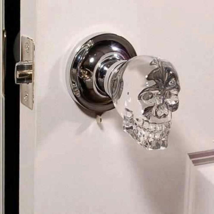 Door knob skull home decor pinterest for Door knob design house