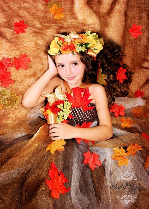 Как украсить платье листьями