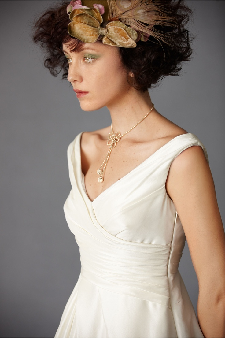 great necklace for my v neck dress wedding