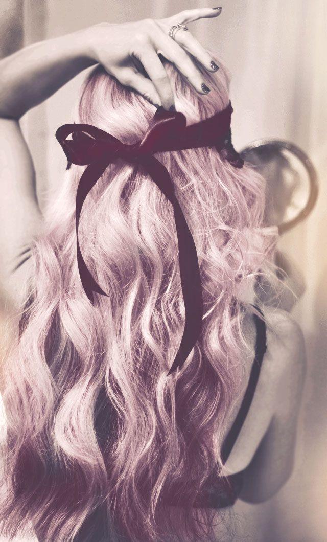 soft beach waves hair tutorial, pink hair with black ribbon bow