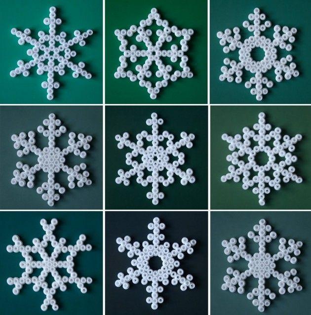 white hama bead snowflake christmas decorations - perles à repasser : http://www.creactivites.com/229-perles-a-repasser