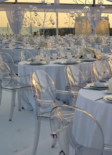 1000 images about kartell weddings on pinterest louis ghost chairs ghost chairs and philippe. Black Bedroom Furniture Sets. Home Design Ideas