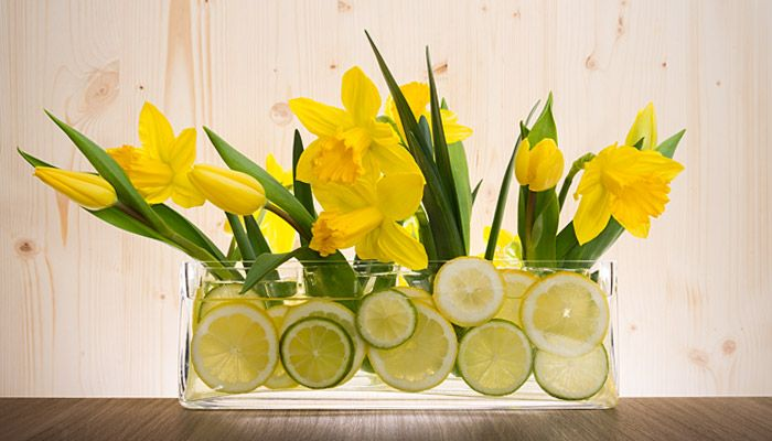 Tischdeko #tulips #yellow #spring #flowers #lime #lemon #green #diy # ...