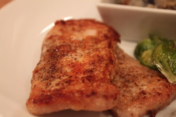 Easy Pan-Seared Pork Chops use. Coconut or arrowroot flour to make ...
