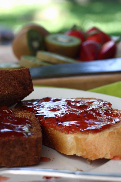 Strawberry Kiwi Jam Close Up | sauces.spices.butter.jam | Pinterest