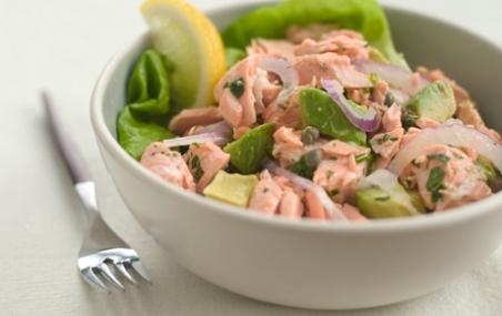 Salad // This is a quick and easy way to use leftover cooked salmon ...
