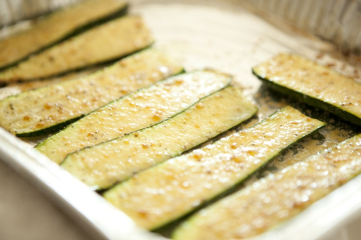 broiled zucchini with Parmesan | Low carb food/recipes | Pinterest