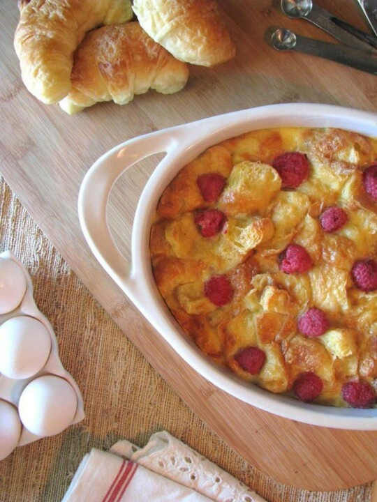 Raspberry and Almond Bread Pudding | Foodies...breads...odd & ends ...
