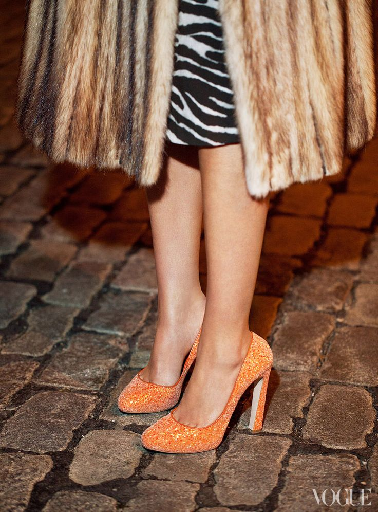 Vogue 5 Days, 5 Looks, One Girl: Elisabeth von Thurn und Taxis. Vintage finch coat, Michael Kors zebra dress, and Miu Miu orange glitter pumps.