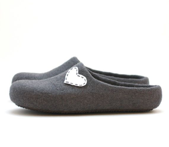 Women house shoes felted wool slippers Valentine by AgnesFelt