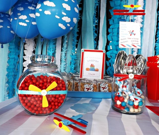 Airplanes clouds baby shower party ideas for Airplane party decoration