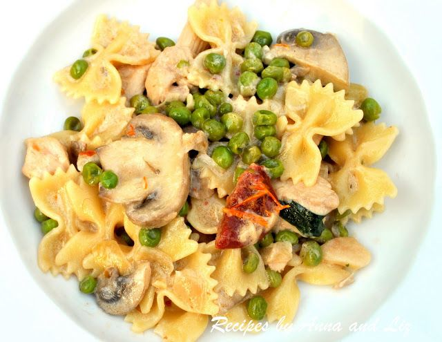 Pasta with Chicken, Peas, Mushrooms and Sun Dried Tomatoes