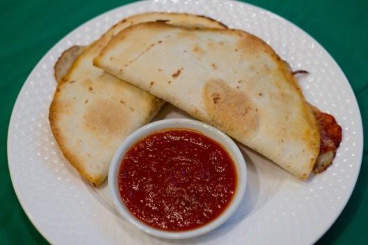 Pizzadillas! Definitely trying this! | Yumm | Pinterest