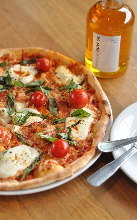 mmmm..caprese pizza | YuMmY YuMmY.. | Pinterest