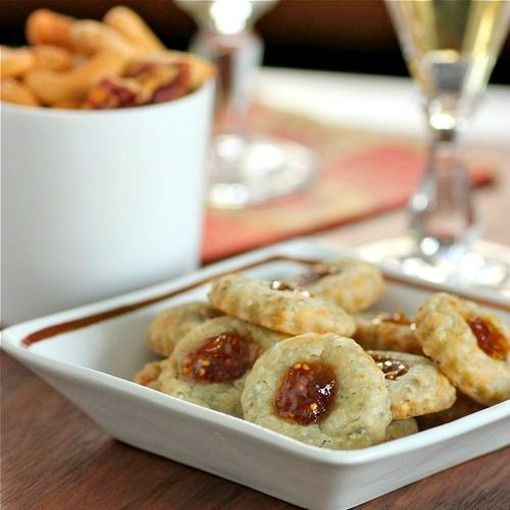 fig and blue cheese savory bites | Hors d'Oeuvres | Pinterest
