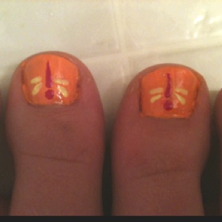 Dragonfly toenail art