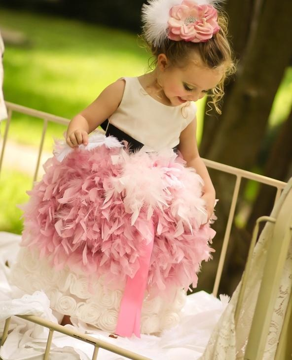 feather dress, feather baby dress, toddler dress, girl dress, fashion dresses, elegant dresses, bridesmaid dresses, couture dresses, vogue dresses, celebrities dresses