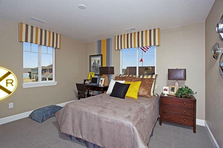 simple railroad themed boy 39 s bedroom terrain pinterest