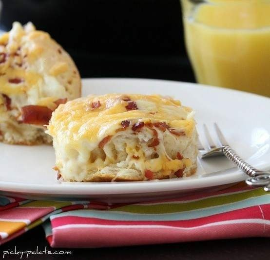 EASY CHEESY BACON BISCUIT PULL-APARTS | whatsCOOKINGgoodlooking | Pin ...