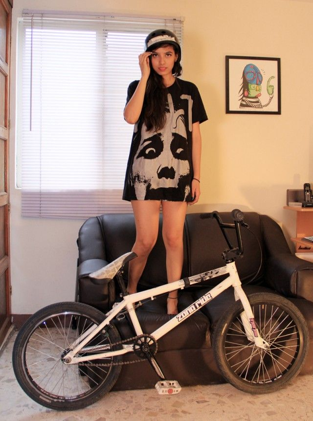 bmx and girl wallpaper - photo #27