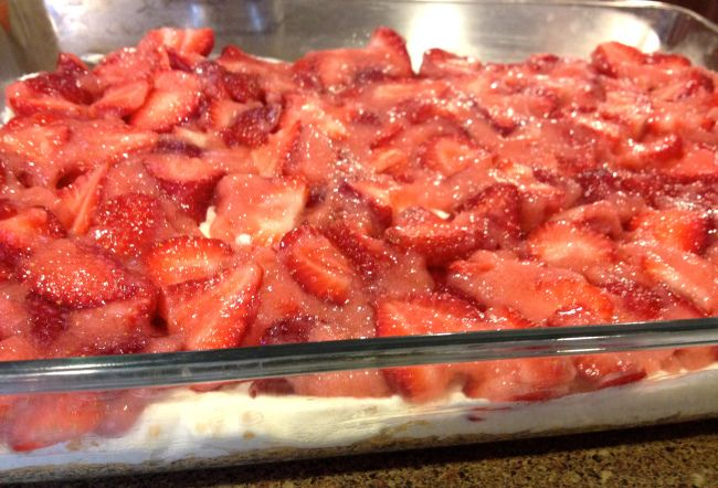 Strawberry Cheesecake Squares   S desserts   Pinterest