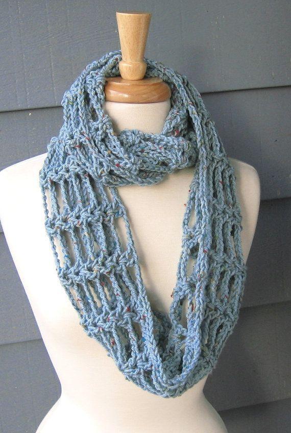 Crochet Infinity Scarf Free Tutorial : Pin by Tiny van der Weide on steekje los Pinterest