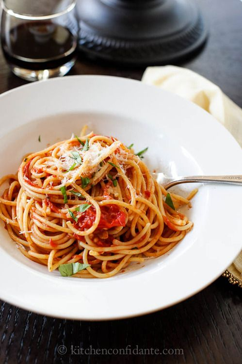 spaghetti with fresh tomato basil sauce. | Foods | Pinterest
