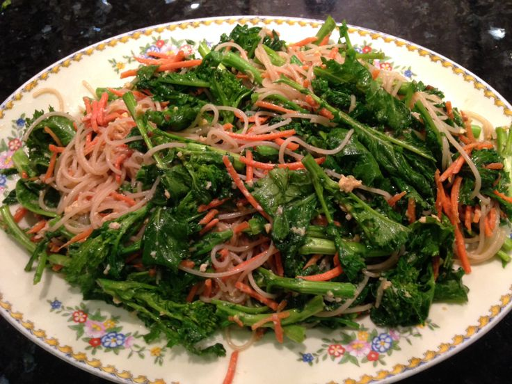 made this awesome stir fry with lots of rice noodles and broccoli rabe ...