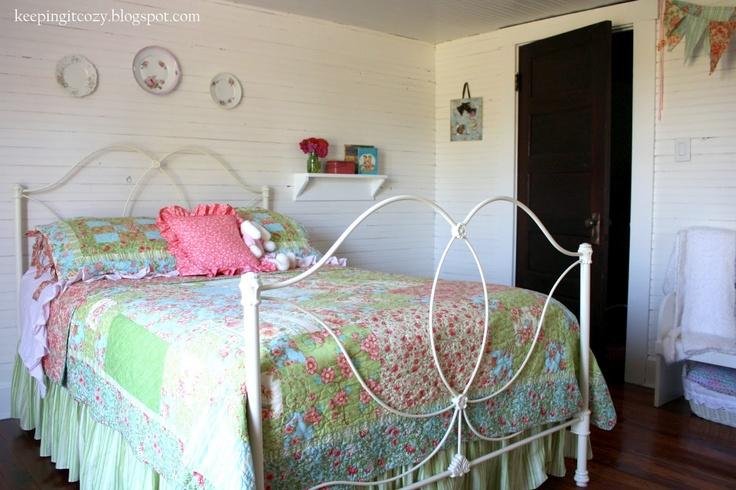 love this farmgirl bedroom makeover