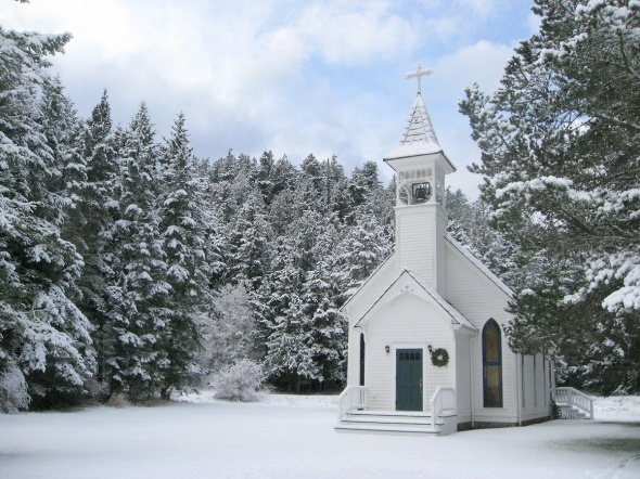 /victorian-valley-chapel-in-dec-2012-snow_copyright-suzana-roach.jpg%3Fw%3D590%26h%3D442