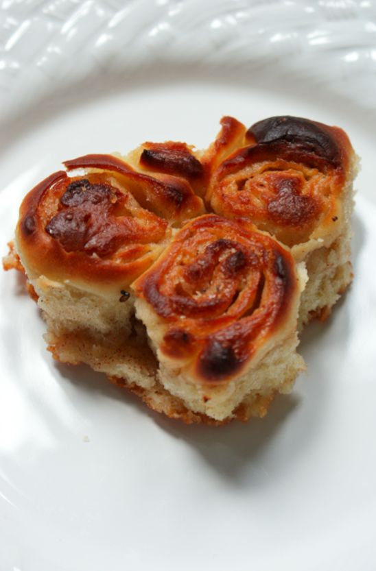 Sticky Cinnamon Buns (Based on a recipe in Nigella Lawson's How to be ...