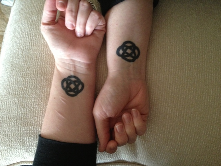 celtic friendship knot tattoo and piercing ideas pinterest. Black Bedroom Furniture Sets. Home Design Ideas