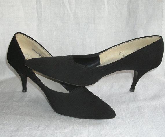 Vintage Women's Shoes Black Pumps Mr Thom by TheVintageDresser